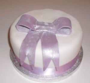 small bow cake