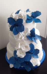 orchid wedding cakes with roses